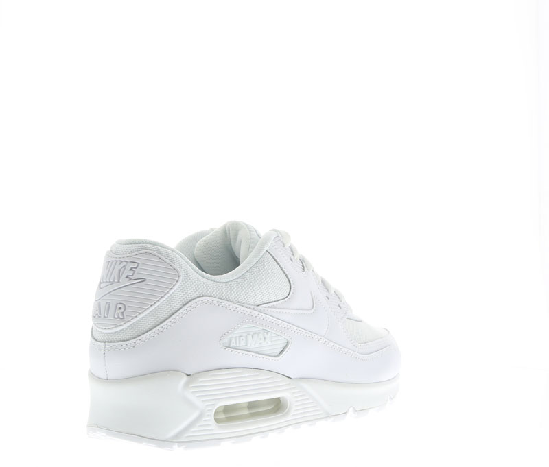 FOOT LOCKER - WHITE COLLECTION (22)