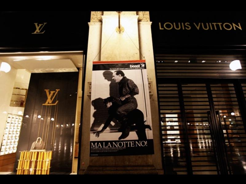 Beast Berlusconi Milano Galleria Vittorio Emanuele