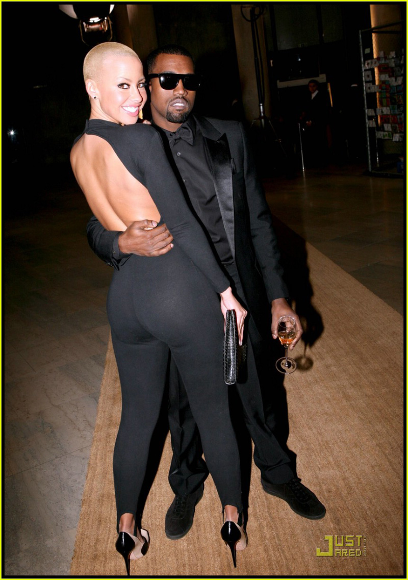 KANYE WEST PARTY ASS